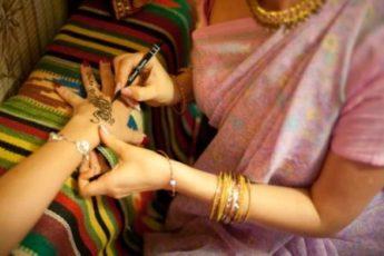 Веселый девичник в индийском стиле!